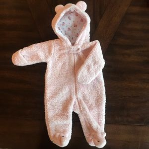 Adorable snowsuit for baby girl! Only worn once!